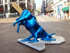 cows in art | melting cow statue Really Strange and Amusing Statues From Around the ...
