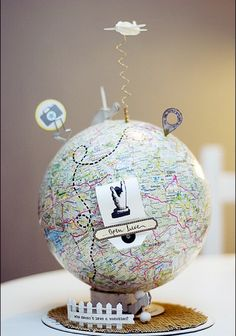 Origineel cadeau: wereldbol met geld of cadeaubon