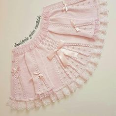 very nice pattern pink jacket for little girls Baby vest with pattern, This post was discovered by Hay, Baby dress with a wonderful collar pattThis baby vest can be a really nice model for our babies. Knit Baby Dress, Knitted Baby Cardigan, Baby Pullover, Shrug Knitting Pattern, Lace Knitting Patterns, Easy Knitting, Girls Sweaters, Baby Sweaters, Knitting Sweaters