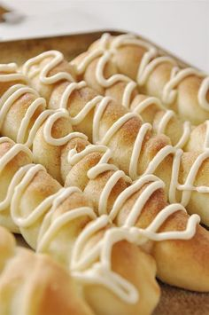 A cinnamon sugar breadstick drizzled with a cream cheese frosting. A delicious dessert idea! | http://www.thirtyhandmadedays.com