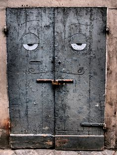 Florence, Italy……..SLEEPY-TIME DOOR……BY THE TIME THEY OPENED THE DOOR, I WAS TOO SLEEPY & TIRED TO GO IN……………ccp