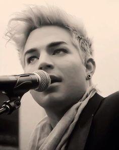 Adam Lambert - BREATHTAKING