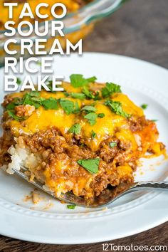An easy creamy bake for a different kind of taco night. An easy creamy bake for a different kind of taco night. Dinner Ideas Hamburger Meat, Hamburger Meat Recipes Ground, Healthy Hamburger, Healthy Meat Recipes, Meat Recipes For Dinner, Mexican Food Recipes, Cooking Recipes, Hamburger Meat Casseroles, Healthy Food
