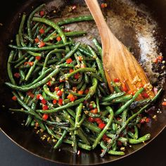 For this Chinese dry-fried long beans recipe, cut beans and cook them in a hot wok until the skins wrinkle and brown in spots before adding any seasonings. Bean Recipes, Vegetarian Recipes, Cooking Recipes, Healthy Recipes, Healthy Foods, Healthy Side Dishes, Side Dish Recipes, Chinese Long Beans, Salads