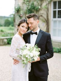 relaxed, yet elegant English garden wedding - Alon Livne Wedding gown Wedding Film, Wedding Images, Wedding Couples, Wedding Gowns, Wedding Blog, Elegant Wedding, Relaxed Wedding, Lesbian Wedding, Timeless Wedding