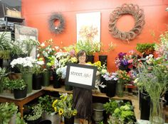 """""""Street.life! is where you can wine and dine with Portsmouth's community and watch the sunset!""""  -Betsy Scott, Owner of the Flower Kiosk in Downtown Portsmouth"""