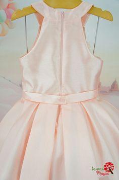 Vestido Infantil de Festa Rosê Bordado Petit Cherie Kids Little Girl Gowns, Gowns For Girls, Little Girl Fashion, Kids Fashion, Girls Dresses, Toddler Girl Outfits, Kids Outfits, Kids Dress Patterns, Dress Sketches