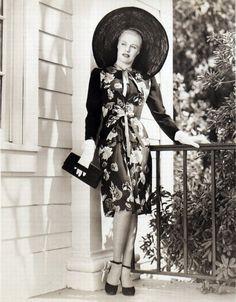Dorothy Patrick amazing 1940s fashion!
