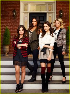 Lucy Hale & Troian Bellisario: Pretty Little Liars Season Four Promo Pics!   pll fourth season promo pics 04 - Photo