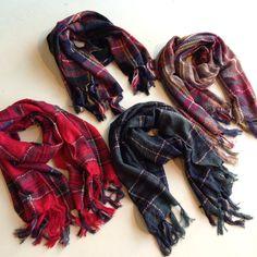 Daily New Fashion : Plaid fringe scarves