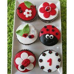 #mulpix Um amor esses cupcakes para você que está planejando uma festa no tema…