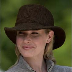 Google Image Result for http://www.sunprotectionhats.com/images/D/Tilley_Winter_Hat_Black_Brown_Women_D.jpg