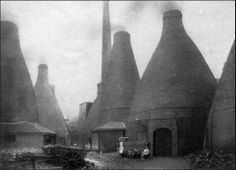 Bottle-shaped pottery kilns in Stoke-on-Trent, Staffordshire, England