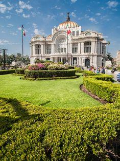 Bello, ¿verdad? Es el majestuoso Palacio de Bellas artes de la #CiudadDeMexico ¡Visítalo!  http://www.bestday.com.mx/Vuelos/United-Airlines/