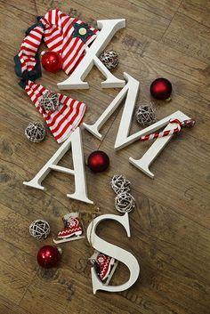 Holzbuchstaben mit der Bandsäge ausgesägt  Made by Talitha von Talitha-Fotografie