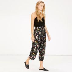 Warehouse, Scatter Floral Culotte Black Pattern 2
