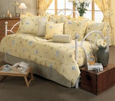 laura floral patterns 5 piece daybed set by kimlor karin maki day bed sets Daybed Cover Sets, Daybed Sets, Daybed Comforter, Comforter Sets, Nautical Bedding Sets, Daybed Design, Cottage Style Decor, Sleeper Sofa, Sofa Beds