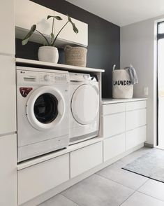 34 Fabulous Scandinavian Laundry Room Design Ideas - Its one of the most used rooms in the house but it never gets a makeover. What room is it? The laundry room. Almost every home has a laundry room and . Modern Laundry Rooms, Laundry Room Layouts, Laundry Room Design, Küchen Design, Home Design, Decor Interior Design, Design Ideas, New Wall, Laundry Room Inspiration