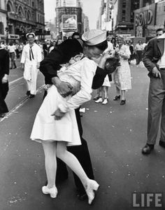classic... Photographer: Alfred Eisenstaedt, The Kiss, V-J Day in Times Square 1945