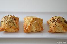 Fagottini ricotta e olive. Fagottini di pasta sfoglia, veramente deliziosi...uno tira l'altro! Scopri la ricetta: http://www.misya.info/2011/08/19/fagottini-ricotta-e-olive.htm