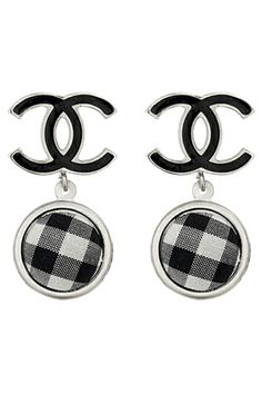 Bring a touch of elegance to a style with Chanel Double C gingham earrings. Chanel Earrings, Chanel Jewelry, Jewlery, Mademoiselle Coco Chanel, Tartan Fashion, Fashion Black, Jewelry Accessories, Fashion Accessories, Jewelry Sets