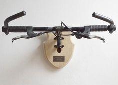 """El proyecto """"Taxidermia Ciclista"""" rinde tributo a nuestra bicis viejas.  Le projet """"Bicycle Taxidermy"""" est une belle façon de rendre hommage à nos vieux vélo."""