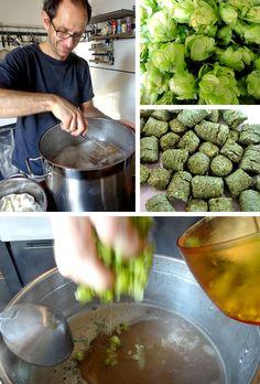 #Craft #Beer #Bremen Möckernbräu Bild 3: Würze kochen und Hopfen hinzugeben - oben der Aromahopfen aus dem eigenen Garten, unten der gepresste Bitterhopfen