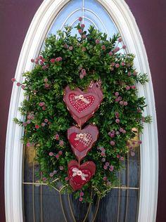 """Valentine winter """"Hearts"""" wreath"""