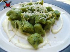 #Gnocchetti alle #ortiche su #fonduta di Fontina | @Isaporidicasa Spatzle, Fonduta, Best Italian Recipes, Recipe Boards, Spring Recipes, Paella, Soul Food, Guacamole, Food And Drink