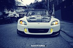 Honda with the yellow fog lights Tuner Cars, Jdm Cars, Honda S2000, Honda Civic, Soichiro Honda, Honda Cars, Honda Auto, Japanese Domestic Market, Honda Motors
