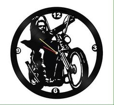 Vinyl Record Crafts, Vinyl Record Clock, Vinyl Art, Vinyl Records, Fancy Watches, Scrap Metal Art, Diy Clock, Craft Show Ideas, Scroll Saw