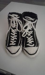Sukista tumppuihin: Tossuja kaiken ikäisille My Works, Baby Shoes, Knitting, Kids, Clothes, Fashion, October, Young Children, Outfits
