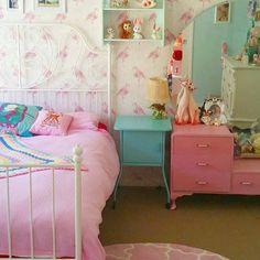 "674 Likes, 5 Comments - Unique boutique of cuteness (@vinnieboyvintage) on Instagram: ""#hellobed #nightnight #goodnightig #kitsch #vintagehome #retrohome#interiors#homedecor #lovemyhome…"""
