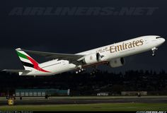 Emirates A6-ENC Boeing 777-31H/ER aircraft picture