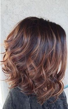 Are you going to balayage hair for the first time and know nothing about this technique? Or already have it and want to try its new type? We've gathered everything you need to know about balayage, check! Hair Color Balayage, Hair Highlights, Ombre Hair, Blonde Color, Carmel Highlights, Balayage Bob, Subtle Highlights, Blonde Brunette, Medium Hair Styles