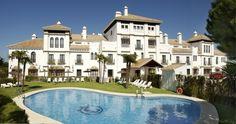 El FERGUS Style El Cortijo Golf es un hotel de 4 estrellas en la Costa de la Luz. Está pensado para unas vacaciones de relax en la playa de Matalascañas con amplios servicios y un trato personalizado. Se encuentra junto al campo de golf de Doñana en un entorno natural único. #FERGUSStyleElCortijoGolf #FergusHotels