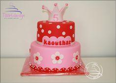 a little girl's cake