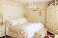 Junk chic cottage bedroom