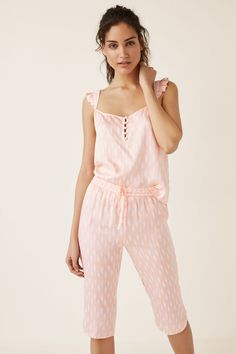 Womensecret Set pijama y camisola estampado Love Fashion, Kids Fashion, Womens Fashion, Fashion Design, Pijamas Women, Night Suit, Sleep Dress, House Dress, Pajama Shorts