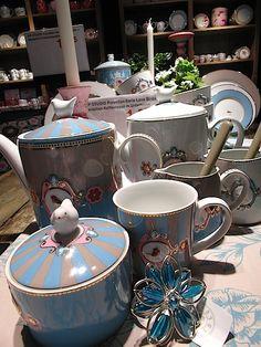 GO HOME pip china... Sugar Bowl, Bowl Set, Kettle, Kitchen Appliances, China, Vintage, Home, Diy Kitchen Appliances, Tea Pot