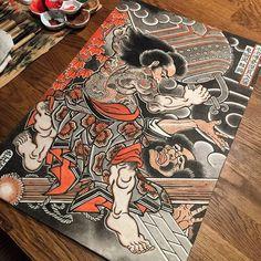 A samurai crushing another warrior to death by Hide Ichibay (IG—hide_ichibay). Japanese Painting, Japanese Art, Kabuto Samurai, Japanese Back Tattoo, Bokashi, Traditional Japanese Tattoos, Japan Tattoo, Oriental Tattoo, Samurai Tattoo