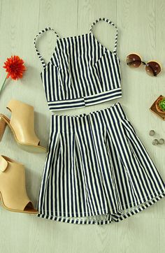 women's outfit; vertical line