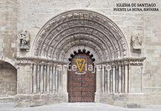 Portada románica de la iglesia de Santiago. Puente la Reina, Navarra #románico