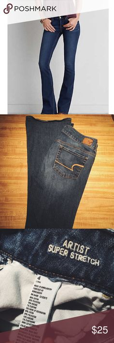 """Like New American Eagle Artist Jeans✨ These jeans are in excellent used condition and perfect for any closet! Super stretch and flared. Inseam 32.5"""". American Eagle Outfitters Jeans Flare & Wide Leg"""