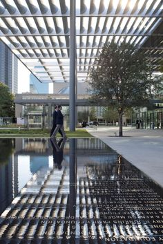 Margot and Bill Winspear Opera House | Projects | Foster + Partners
