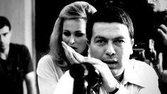 Alla (ri)scoperta di Elio Petri,il miglior regista politico italiano Epico, visionario, disturbante. Il migliore dei registi politici, sradicato dall'immaginario collettivo del cinema italiano per più di vent'anni. Un intellettuale complesso e slegato da qualsiasi cor #cinema #arte #politica #roma