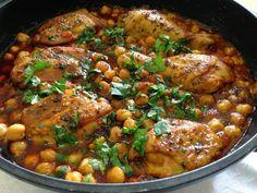 חיוכים מהמטבח: תבשיל עוף ברוטב עגבניות וחומוס