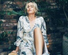 Piper Chapman, Alex Vause, Baby Taylor, Taylor Schilling, Orange Is The New Black, Girl Crushes, American Actress, Gorgeous Women, Wrap Dress
