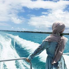 Alone happyness😍 travelling life mood love frnds nature Hijabi Girl, Girl Hijab, Arab Fashion, Muslim Fashion, Dress Fashion, Girl Photo Poses, Girl Photography Poses, Muslim Girls, Muslim Couples