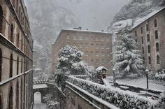Montserrat, nevat (4 de febrer de 2015)   Catalunya - Catalonia